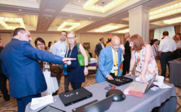 JewelTrace team demonstrates RFID Powered data analytics and inventory management to jewelers at the JA National Convention